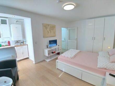 Stilvolle mobliert Wunderschönes und charmantes Studio Apartment in Köln