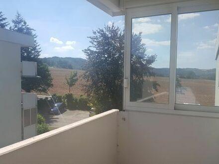 Möblierte 2 Zi Wohnung mit Balkon