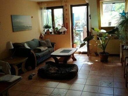 Zentrale, modernisierte 4,5-Zimmer-Wohnung mit Wintergarten und EBK in Pleidelsheim