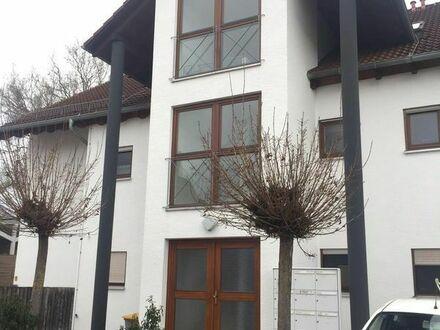 Wunderschöne und helle 2-Zimmer-Wohnung mit Balkon und TG-Stellplatz in Gomaringen (Kreis Tübingen)