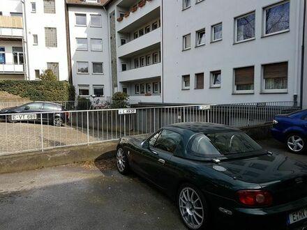 ruhiger PKW-Stellplatz im geschützen Innenhof nahe Innenstadt