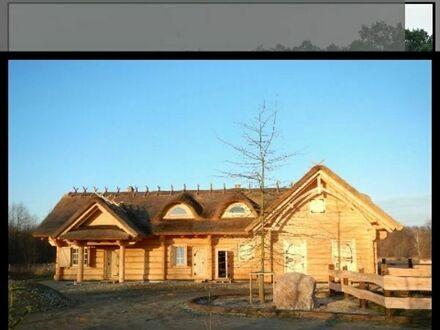Holzhaus mit 500 Bäume und See