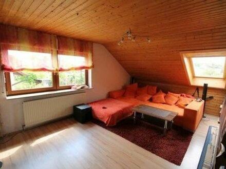 2 Zimmer DG-Wohnung in 2-Familienhaus in Erdmannhausen ab 1.10.2019