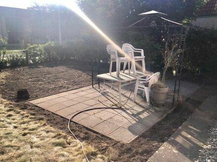 Haus 80 qm + 2 Garagen + großem Garten zu vermieten - 419 qm