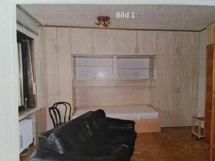Single Wohnung mit Einbaumöbel zu verkaufen
