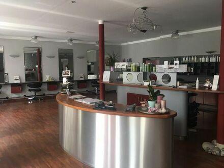 Friseursalon - voll ausgestattet / ohne Kosten für Übernahme
