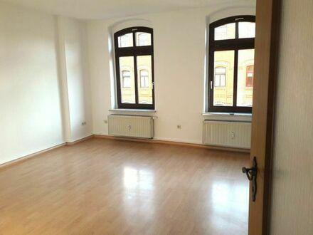 NEU! Frisch sanierte 3-Raum-Wohnung in zentraler Lage zu vermieten!