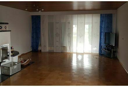 6-Zimmer-Wohnung mit Balkon und Einbauküche in Nussloch