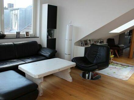 PRIVATVERKAUF - Neuwertige Dachterrassenwohnung, Komplettpreis inkl. EBK und Einbauschränken