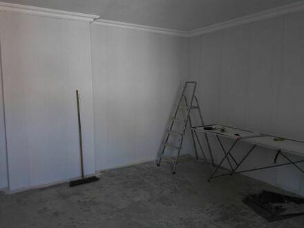 große 4 Zimmer Wohnung in Zentraler Lage, komplett saniert