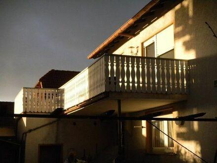 Zweizimmerwohnung mit großem Balkon Seeheim - Nähe Straßenbahn von Privat