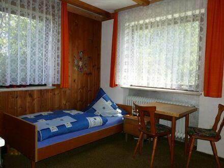 Möbliertes Zimmer mit eigener Wasch- und Kochgelegenheit in netter Hausgemeinschaft