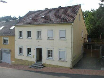 Haus mit 8 Zimmern, Garage und Garten in 67748 Odenbach