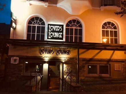 Schöne und gut laufende Lounge Bar Café herzugeben