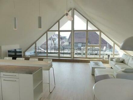 FLATHOPPER.de - Exklusive, lichtdurchflutete 3,5-Zimmer-Dachgeschoss-Wohnung mit Dachterrasse in St