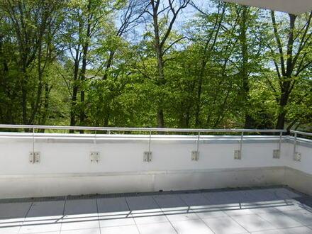 Dachterrassentraum: Exklusive 3-Zimmerwohnung mit großer Dachterrasse und Einbauküche!
