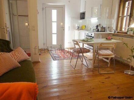 FLATHOPPER.de - Charmante, neu renovierte und ruhige 2-Zimmer- Wohnung mit Sonnenterrasse im Vorgar