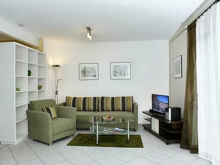 FLATHOPPER.de - Mitten im Grünen: 2-Zimmer-Wohnung mit Terrase, Garten und Parkplatz in Bad Endorf