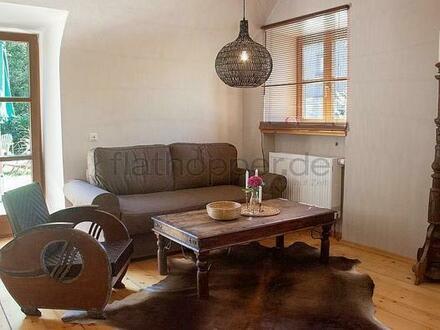 FLATHOPPER.de - Hochwertige 2-Zimmer-Wohnung im denkmalgeschützem Haus in Grassau bei Chiemsee