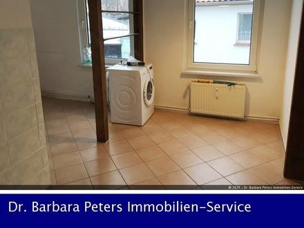 Bad Doberan: Individuelle 2 Zi.- Whg mit Lam., Wohnküche (ohne EBK) u. Du-Bad mit Fenster