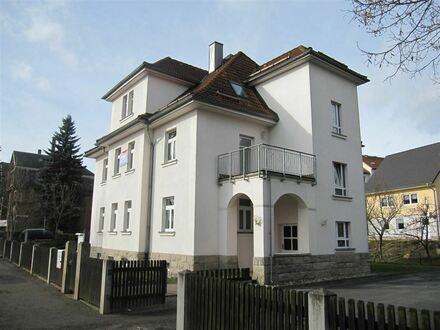 Attraktive Dach-Wohnung in Jößnitz mit Garten!