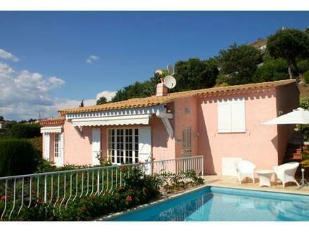 Wunderschöne Villa bei St. Tropez mit Meerblick
