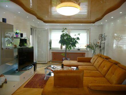 Geschmackvoll sanierte Wohnung mit ca.107m² - drei Schlafzimmer, zwei Balkone und Garage
