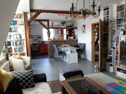 Helle Maisonette im Dachgeschoss mit Carport und mit Garten. Schöne Lutherstadt Wittenberg an der Elbe. Eine außergewöh…