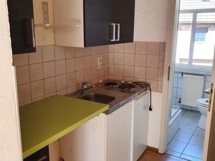 günstige 2 Raum Wohnung in Eisenberg zu vermieten
