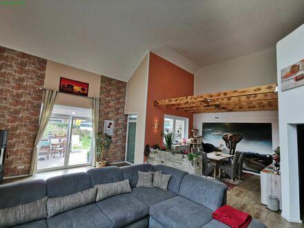 Großzügig bis in den Giebel- luxuriöses Ambiente im neuen Einfamilienhaus