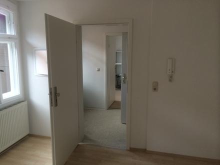 2-Raum-Wohnung mit Einbauküche und Badausstattung in Saalfeld