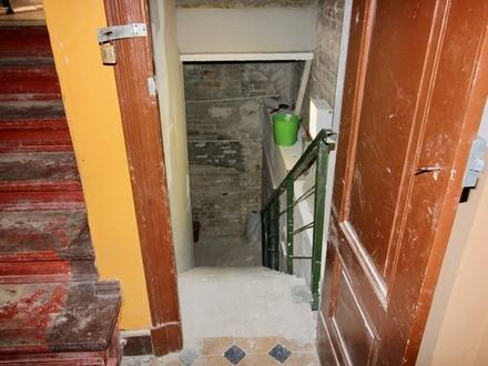 Kellerflächen ( bis zu 3 Meter Deckenhöhe) als Lager zu vermieten