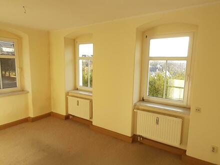 helle Zwei-Zimmer-Wohnung in ruhiger Lage mit guter Fernsicht