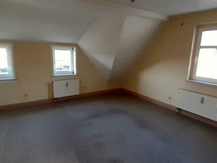 Drei-Zimmer-Dachwohnung in ruhiger Lage mit guter Fernsicht