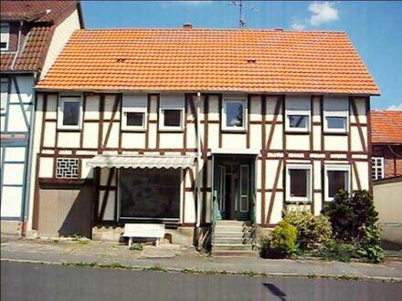 Reinhardshagen - renoviertes Einfamilienhaus mit viel Platz