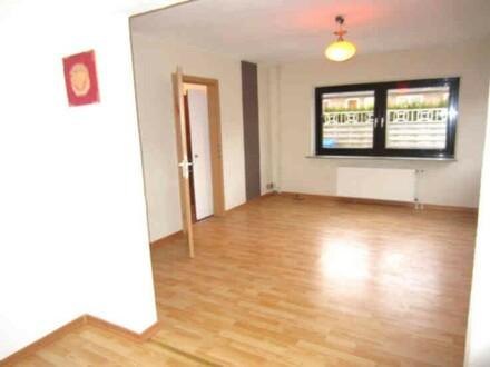 RESERVIERT !946 - 2 Häuser auf grossem Grundstück in Heide