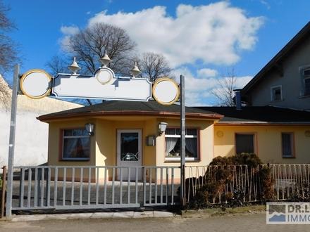 - AUFGEPASST - Café mit familiärem Flair und tollem Außenbereich in idyllischer Kleinstadt