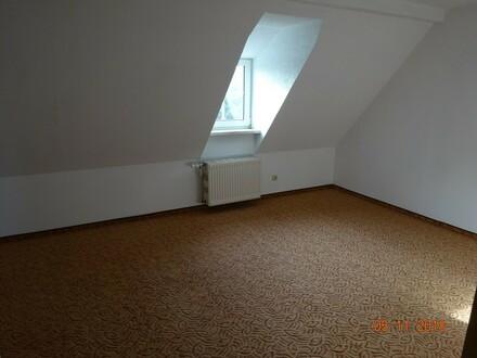 2-Raum-Wohnung unterm Dach