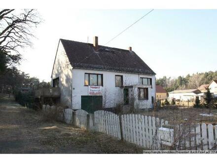 ** PROVISIONFREI ** Solides, jedoch sanierungsbedürftiges Einfamilienhaus zum Selbstausbau bei Riesa
