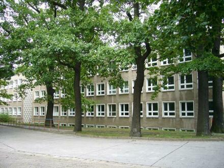 Schulgrundstück in Friedrichshain zu verkaufen