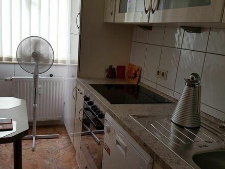 Neuwertige, top renovierte, attraktive 2,5 Zimmer-Wohnung mit Terrasse, in schöner Wohnlage von Laatzen
