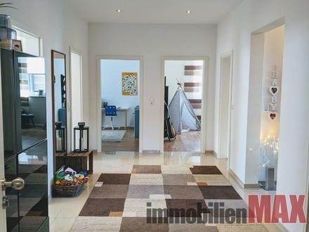 Traumhafte Wohnung mit viel Platz zum Leben und Arbeiten in Nienburgs Toplage.