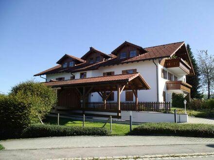 Große Traumwohnung im Dachgeschoss mit schöner Aussicht inkl. 1 TG Stellplatz und Einbauküche