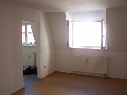 gepflegte 3-Raumwohnung mit Balkon in Bahnhofsnähe
