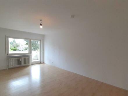 Helle, freundliche 3,5-Zimmer-Wohnung mit EBK und Balkon im südlichen Zentrum