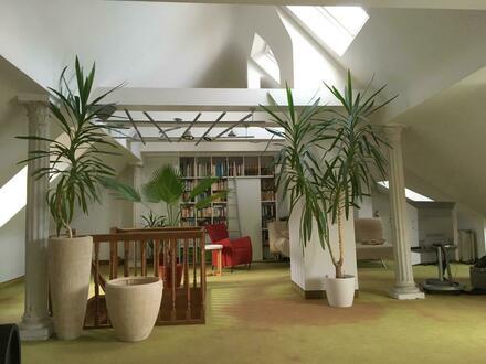 Repräsentative Maisonette-Wohnung mit EBK und Dachterrasse in der nördlichen Altstadt