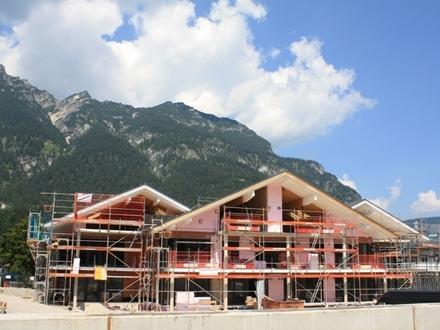 Unverbaubares Alpenpanorama - exklusiv und zentral - EG-Wohnung mit Terrasse, Garten und Bergblick