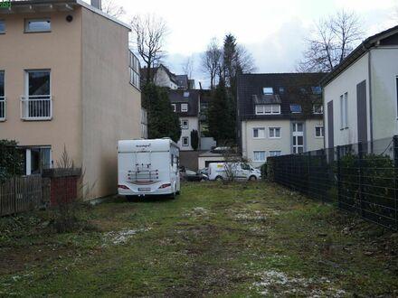 Ebenes Grundstück für Doppelhaushälfte
