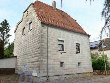 Freistehendes Ein- bis Zweifamilienhaus Nähe Schönenberg-Kübelberg