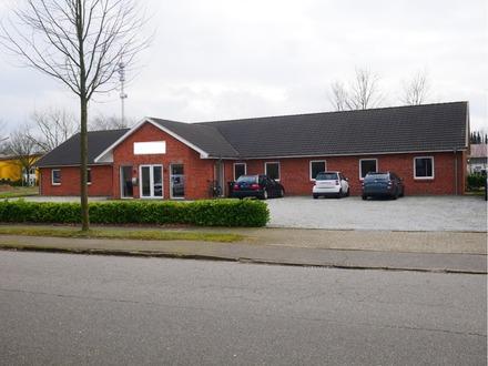 RENDITEOBJEKT!! ABSOLUT NEUWERTIG & DAUERHAFT VERMIETETES Bürohaus in 24782 Büdelsdorf zu verkaufen.